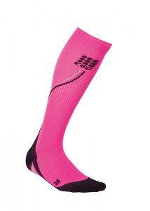 CEP_running_night_compression_socks_flash_pink
